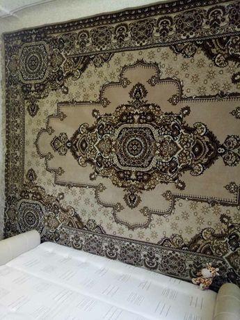 Шерстяные ковры в идеальном состоянии