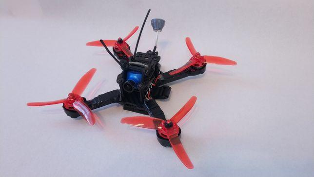 Quadcopter dron wyścigowy X-210 FPV racer