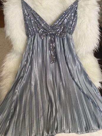 Vestido cinza com lantejoulas