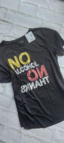 Nowy T-shirt, tezenis