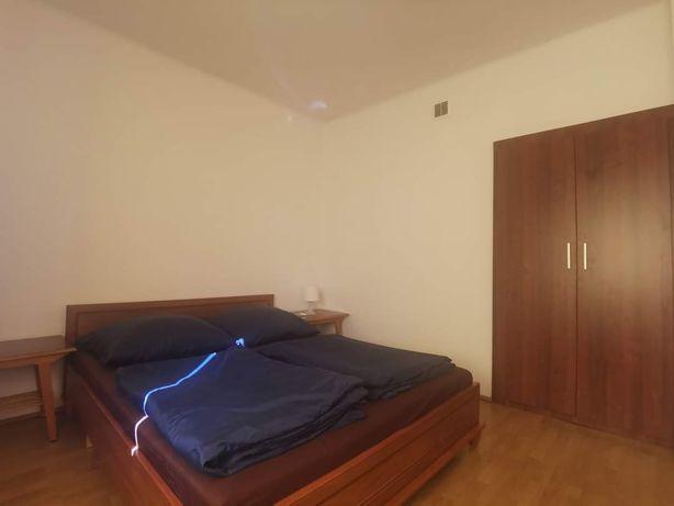Wynajmę apartament/ pokoje