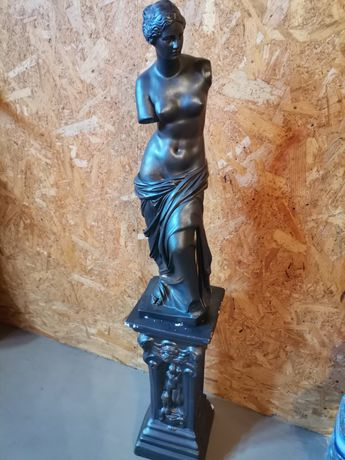 Estatueta Preta com senhora