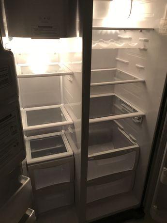 Balkoniki, półki i szuflady do lodówki side by side Daewoo