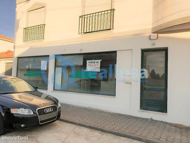 Loja ampla em Aradas, no distrito de Aveiro, Excelentes condições de f