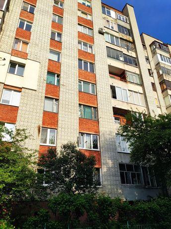 Продам 4-х кімнатну квартиру вул.Грабянки