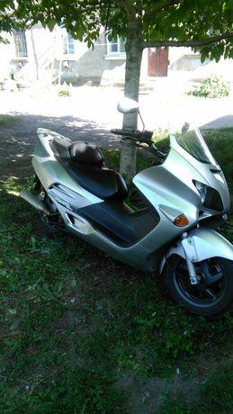 Макси скутер Honda forza mf06 250 кубов