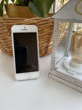 Айфон 5. iPhone 5. Телефон, смартфон.