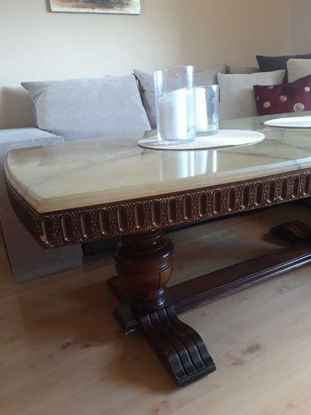 Drewniany stół z płytą marmurową