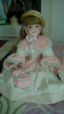 Boneca de porcelana Alda