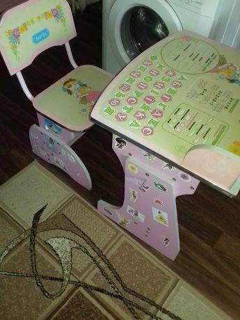 Парта дитяча для дівчинки