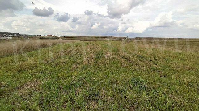 Продається земельна ділянка в с. Стовп'яги