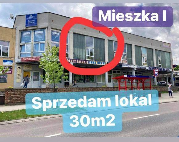 Sorzedam lokal handlowo usługowy w pawilonie Mieszko os. Piasta