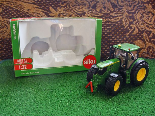 Siku Traktor John Deere 6210R skala 1:32 OKAZJA! (opis)