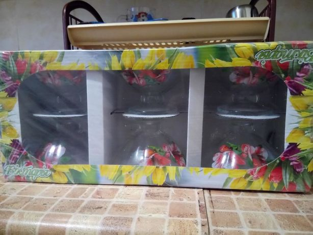 Склянні салатниці нові ціна 150грн.
