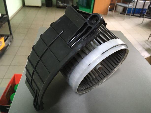 Мотор вентилятора печки (отопителя салона) 1008355 Autotechteile
