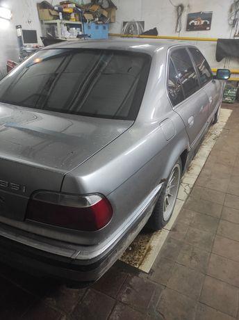 BMW 735i газ/бенз
