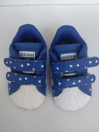 Кроссовки,пинетки,обувь