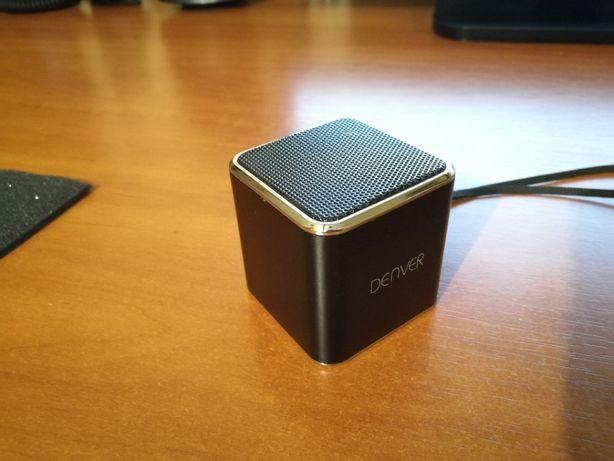 Głośnik przenośny odtwarzacz MP3 z karty pamięci.