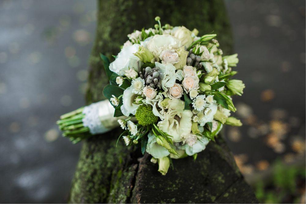 Bukiet ślubny, florystyka, ślub, wesele,auto,kościół
