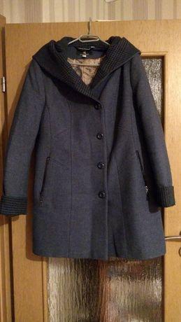 Damski krótki płaszcz