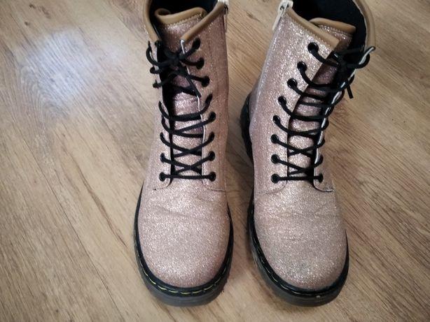 Buty, botki roz. 35 albo małe 36