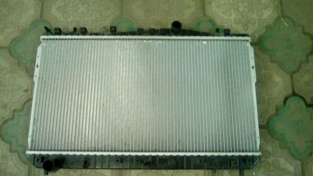 Радиатор охлаждения Шевроле Лачетти, Деу Нубира 1,6,1,8 МКПП
