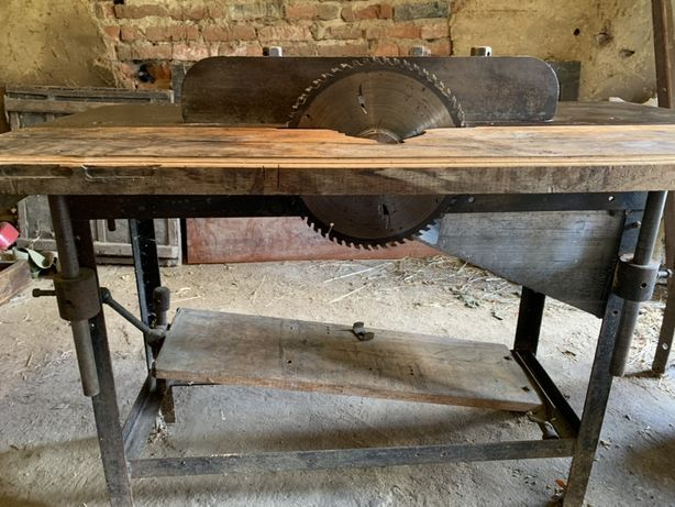 Продам станок деревообробний  (циркулярний)