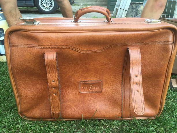 Skorzana waliza, torba podróżna