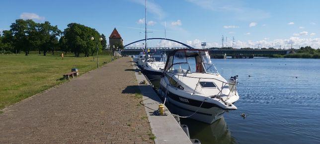 łódź motorowa