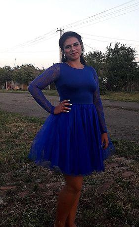 Платье нарядное, размер 42-46