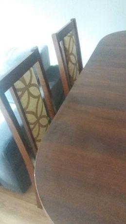 Stół i krzesła komplet