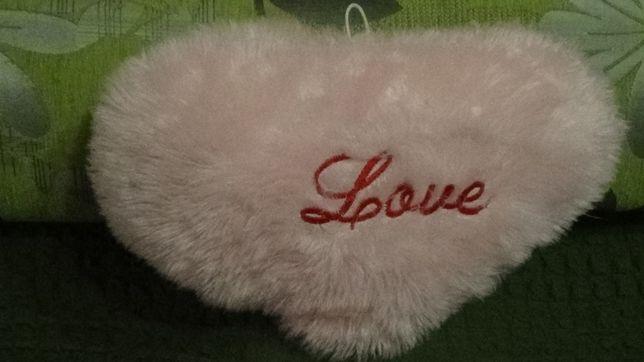 "Подушка подарочная ""Love"", розовая, пушистая, 43 см на 27 см"
