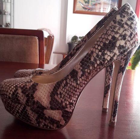 Sapatos pele cobra n39 Steve Madden Originais
