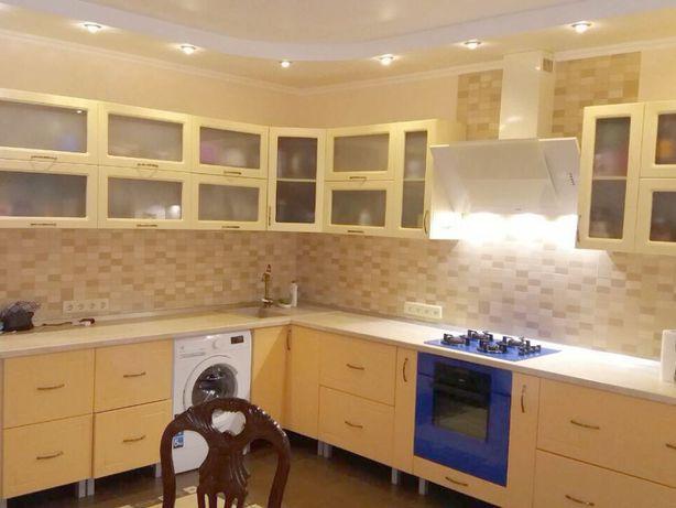 Кухня-столовая и 2 спальни. 107 кв.м Кирпичный дом Тополевая Вузовский