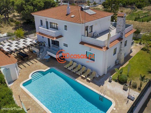 Moradia T7 com piscina e terreno de 1200m2 em Almancil
