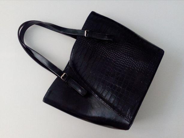 Czarna elegancka torebka