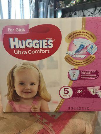 Підгузки Huggies Ultra Comfort для дівчаток, розмір 5, (12-22 кг), 84