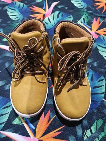 Botki , trzewiki r.27 wkladka 17.4cm buty na jesień
