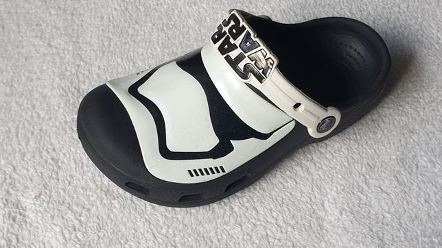 Buty Crocs J1 32 33 Star Wars świecące w nocy klapki