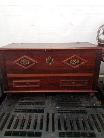 Baú madeira maciça vintage