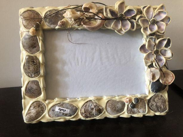 Moldura com conchas do mar