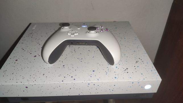 Xbox One X 4K/HDR/Blu-ray Edição Especial