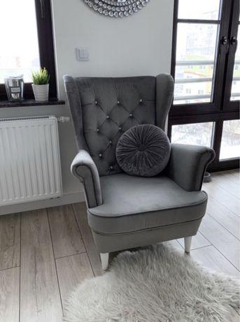 Fotel USZAK stylowy salon duży wybór tkanin producent od ręki