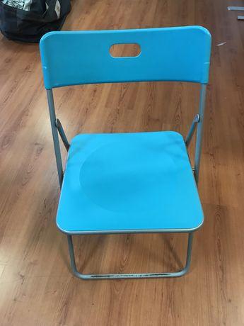Cadeira dobravel em plástico