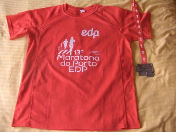 Camisola e medalha Maratona do Porto 2016