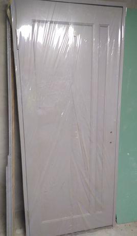 Двери деревянные сосновые новые