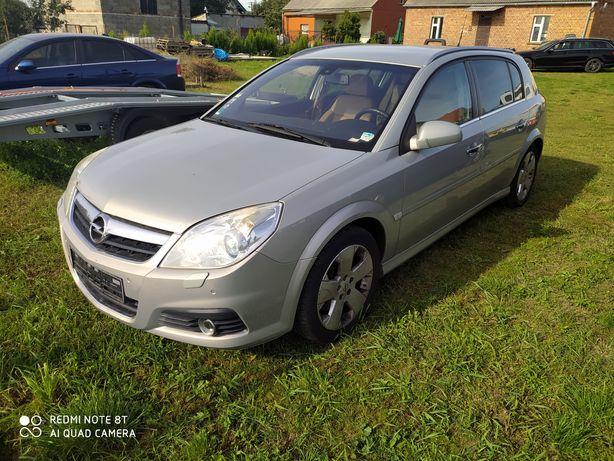Opel Signum 3.0 V6 CDTI cosmo xenon skora navi full
