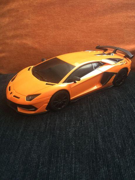 Lamborghini Aventador SVJ 1:24
