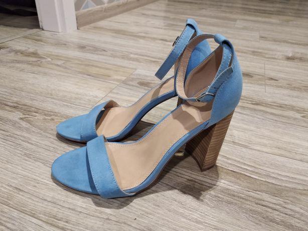 Sandały na słupku niebieskie rozmiar 39