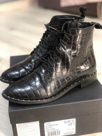 Новые Kurt Geiger!Демисезонные ботинки ! Кожа !